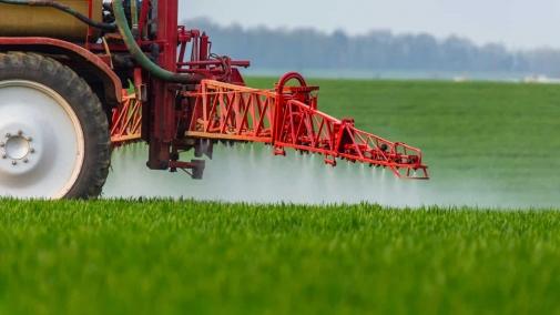 До уваги аграріїв: дотримання вимог безпечного застосування - обов'язкова умова використання десикантів!