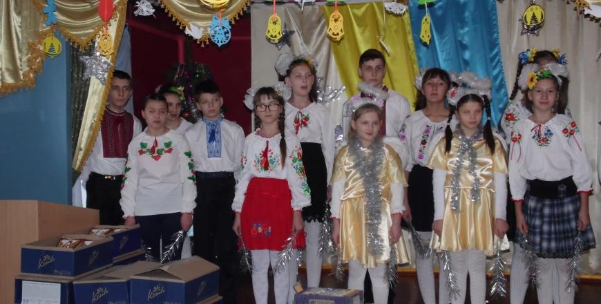 Працівники ГУ Держпродспоживслужби у Вінницькій області привітали вихованців дитячого будинку з Днем святого Миколая!